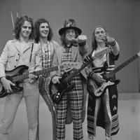 200px-Slade_-_TopPop_1973_19